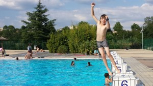 jumping-into-pool-without-preparation